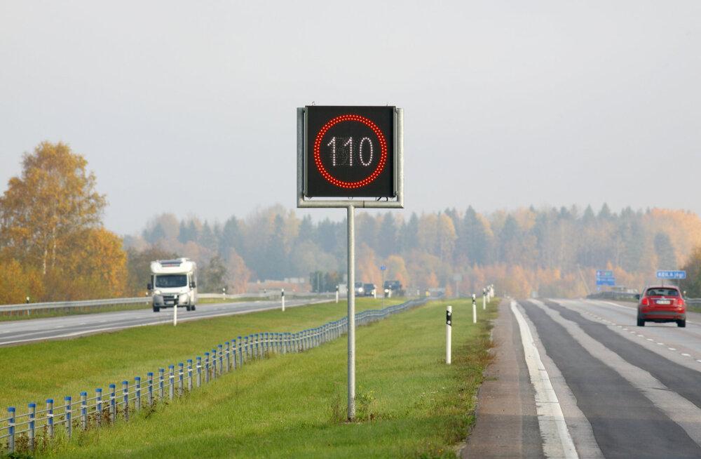 Elektroonilised liiklusmärgid Eesti teedel: kes ja kuidas neid juhib?