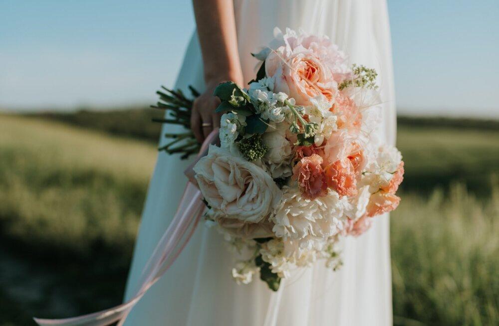 """Mõtled, kas ikka öelda """"jah""""? Siin on 13 põhjust, miks abielu on kordades etem kui kooselu"""