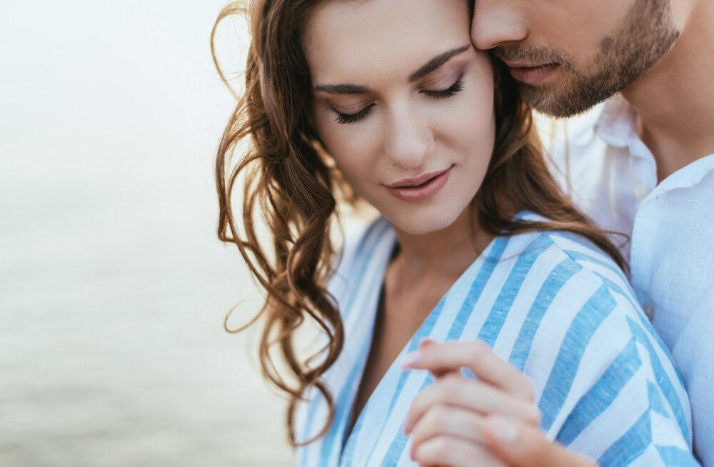Alkeemia lugemisnurk | Mari Metsallik: armastada tuleb alati kogu hingest, nii kõvasti, kui suudame, isegi kui saame kõrvetada