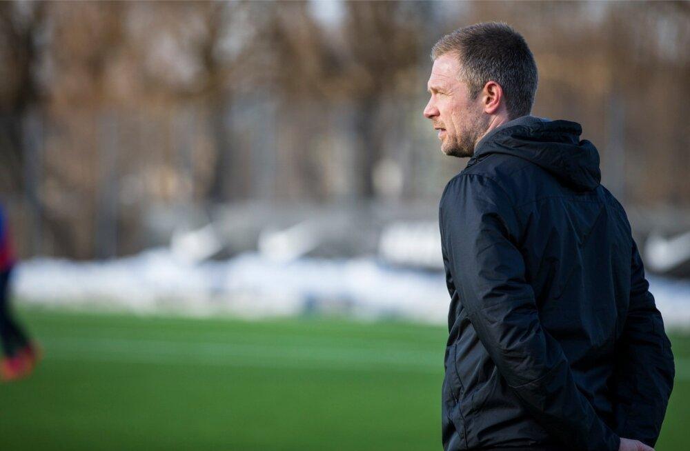 Magnus Pehrsson Eesti jalgpallikoondise treeningul
