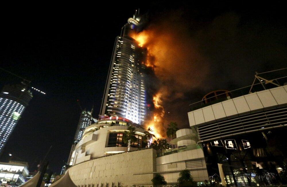 Hollandi vormeliäss nägi uusaastaööl lähedalt Dubai hotelli põlengut