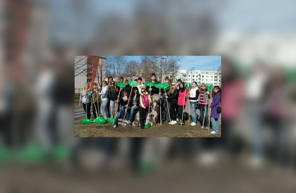 На уборку Штромки пришло более трехсот человек