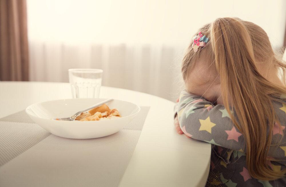 Sinu laps on tohutult pirtsakas sööja? Need on viisid, kuidas sa ise sellele märkamatult kaasa aitad