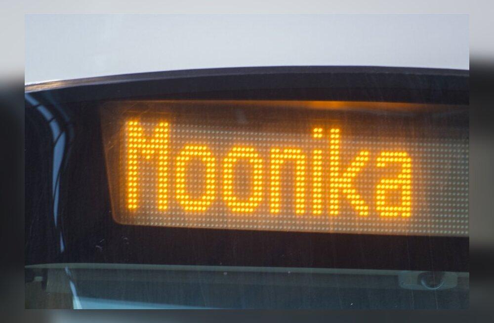 Tramm nimega Moonika
