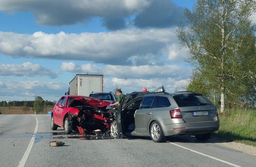Liiklusõnnetus Jõhvi-Tartu-Valga maanteel Kirepis