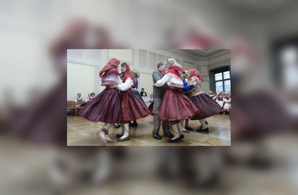 Kihnlased alustavad uue festivaliga: tulemas on suur Kihnu Mere Pidu