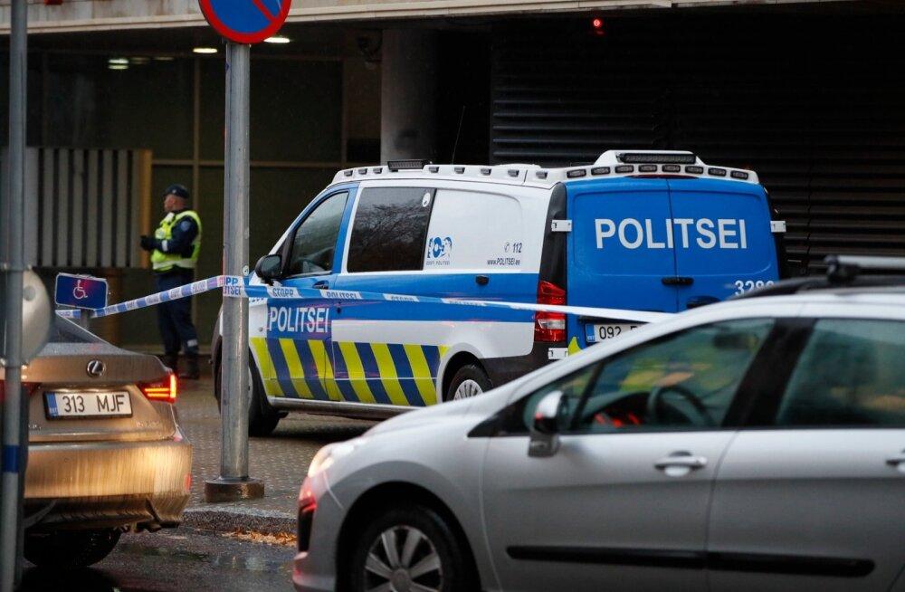 """ФОТО: Столичному центру """"Солярис"""" сделали бомбовое предупреждение. Но ничего не нашли"""