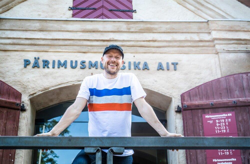 Viljandi pärimusmuusika keskuse juhi Tarmo Noormaa sõnutsi on neil ambitsioon saada 27 aastat toimunud Viljandi pärimusmuusika festivalile osalema rohkem välismaalasi ja lõunaeestlasi.