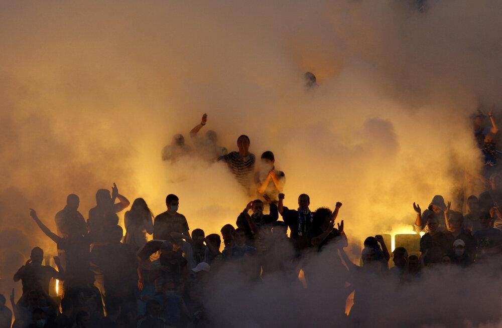 Bulgaaria jalgpallimatšil plahvatas pomm, naispolitseinik sai tõsiselt vigastada