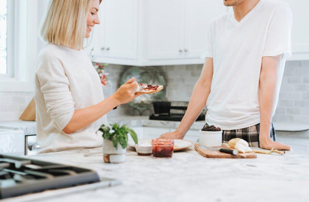 """8 nippi """"Tarbime targalt"""" Facebooki grupist, mis aitavad Sul köögis nutikalt toimetada"""