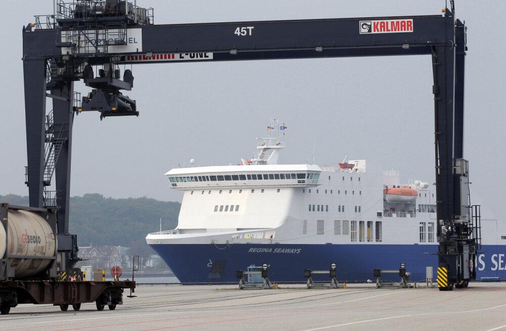 Läänemerel tulekahjuhäire andnud Leedu parvlaev jõudis õnnelikult Klaipėda sadamasse