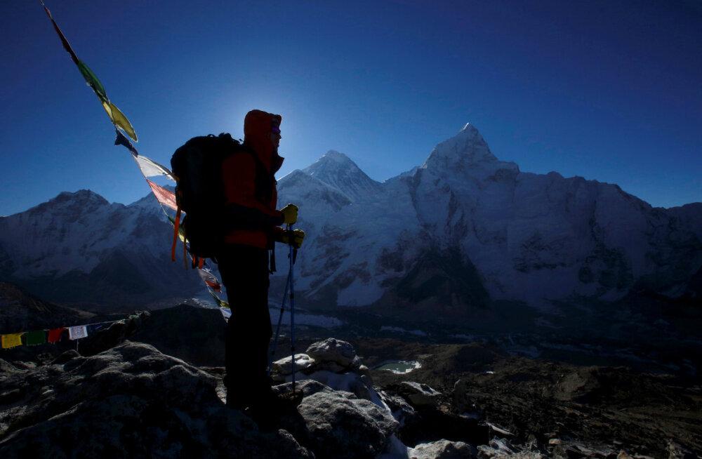 Himaalaja mägedes jäi kuus inimest laviini järel kadunuks