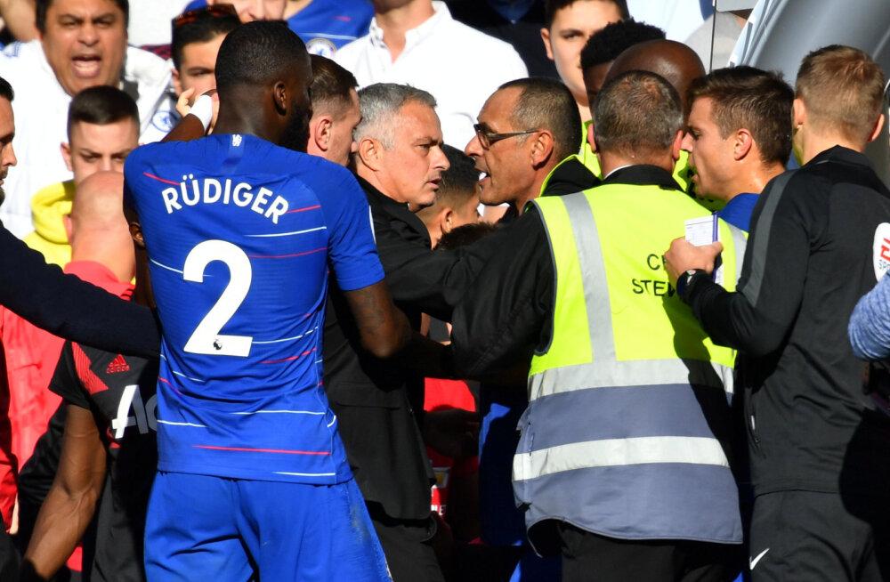 VIDEO | Mourinho läks provokatiivselt tähistanud Chelsea abitreeneri peale marru ning tahtis kaklema hakata