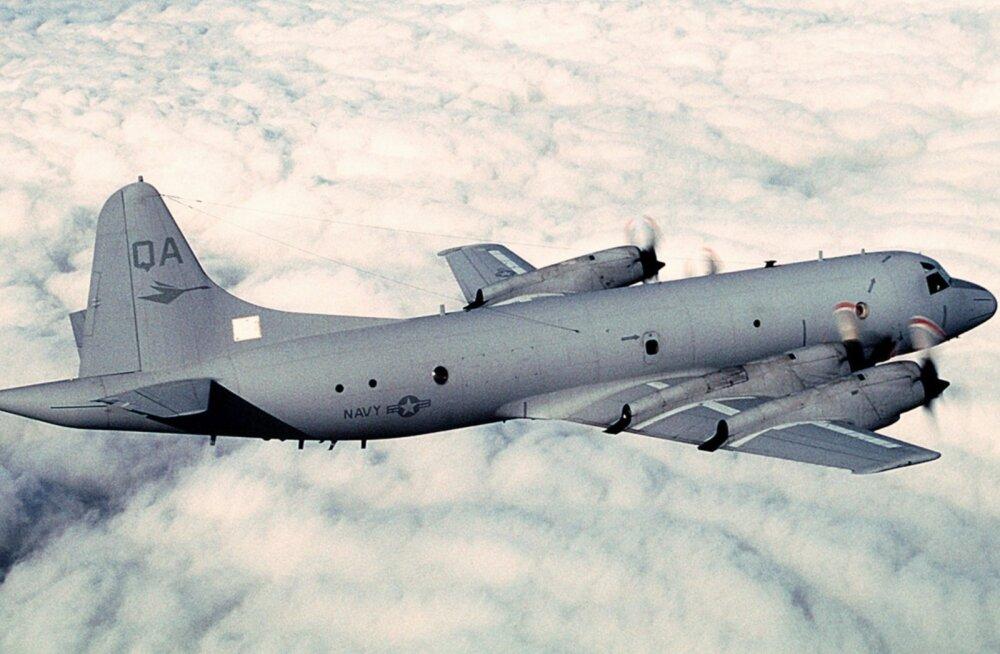 Vene hävitaja möödus Musta mere kohal USA õhujõudude lennukist pooleteise meetri kauguselt