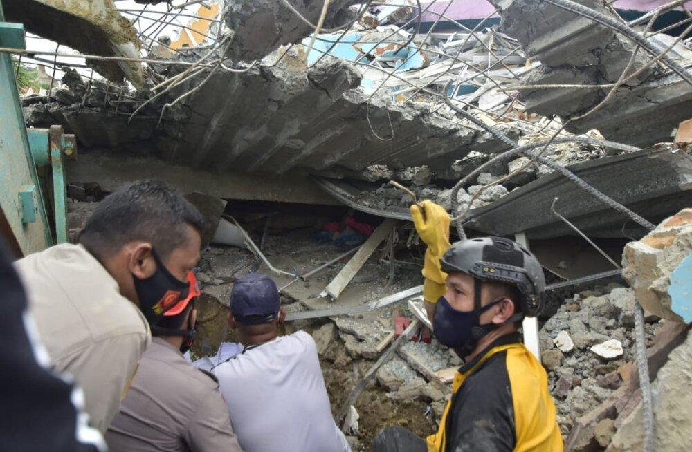 Indoneesias toimunud maavärinas hukkus vähemalt 30 ja sai vigastada sadu inimesi