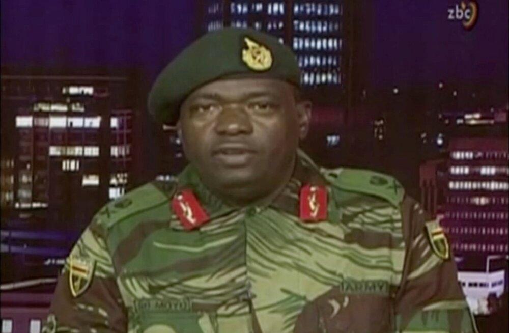 """Zimbabwe armee võttis üle ringhäälingu ja teatas, et jahib """"kurjategijaid"""", mitte president Mugabet"""