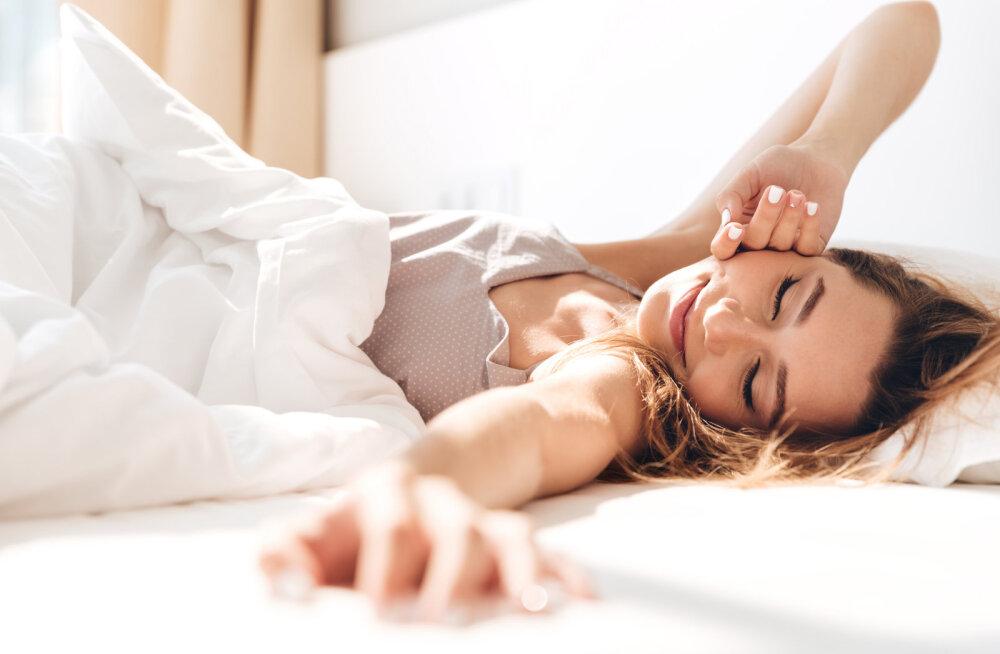 Magamise ajal orgasmi saamine on täiesti võimalik ja kõige paremini õnnestub see selles vanuses naistel