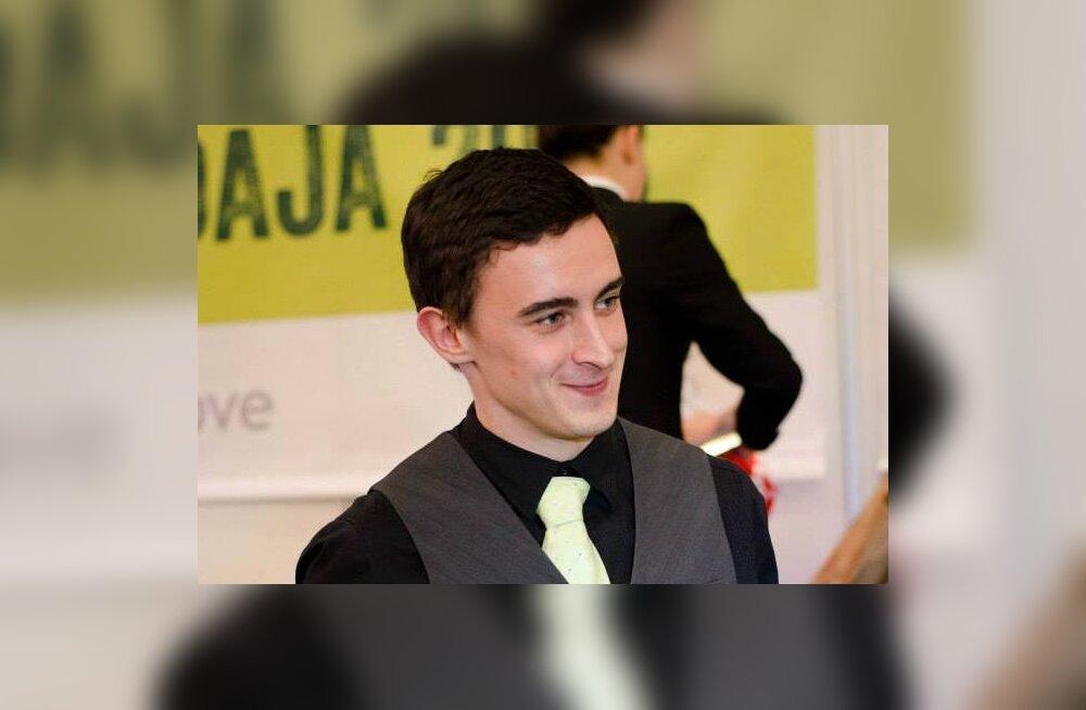Kristo Lassi Noore Teenindaja võistlus, kus ta võitis esimese koha.