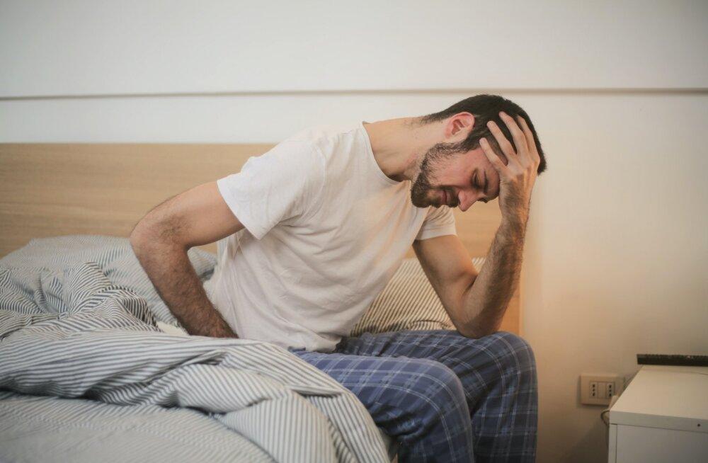 Mees kurvastab: soovin üle kõige, et naine mind voodisse lohistaks, aga seda ei juhtu vist kunagi