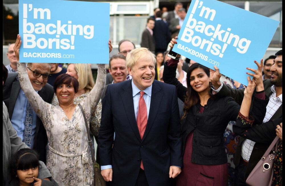 """""""Kao välja!"""" Tüli tõi peaministritooli jahtiva Boris Johnsoni koju politsei. Järgnes vaikus"""