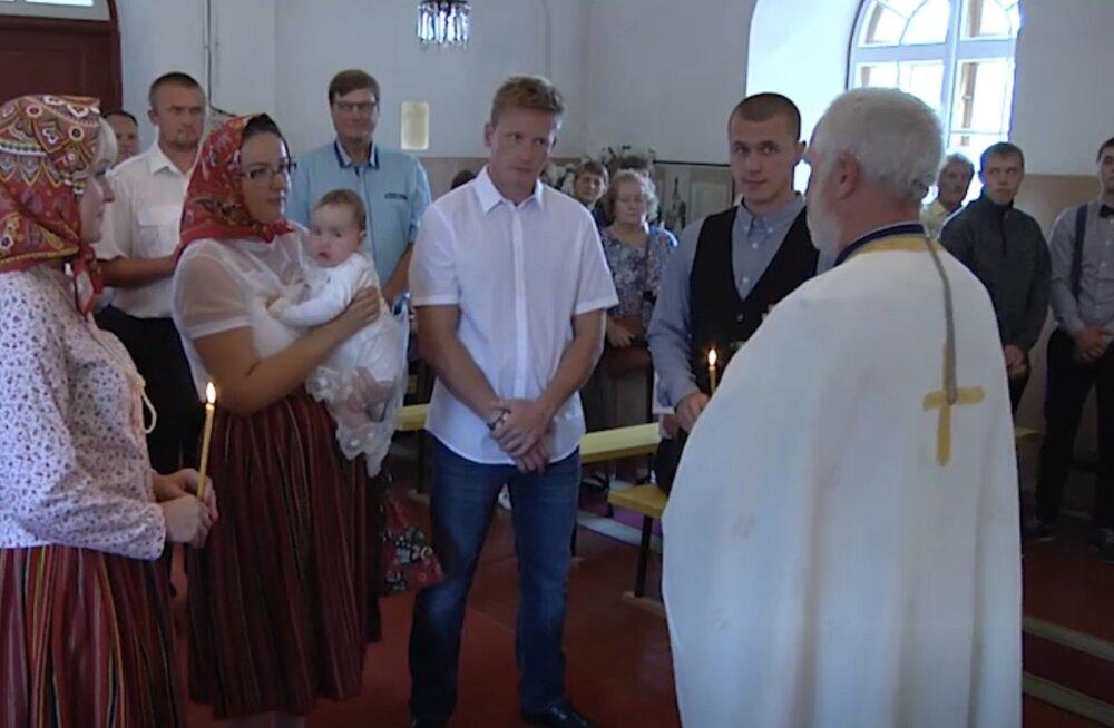 TV3 VIDEO | Kihnus ristiti Kihnu Virve seitsmes lapselapselaps