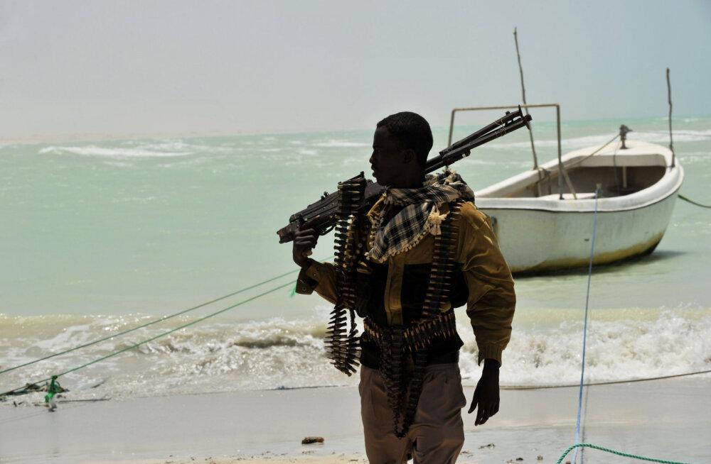Jõuk piraate ründas Benini rannikul kaubalaeva ja võttis pantvangi mitu Vene kodanikku