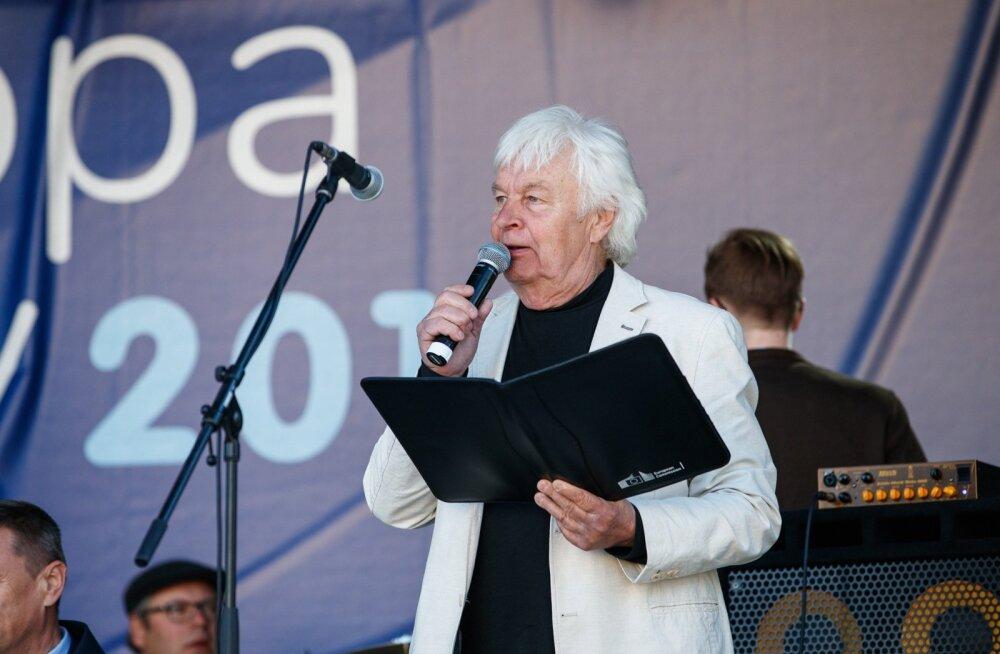 """Saade """"Reis ümber Eesti"""" Vabaduse väljakul"""