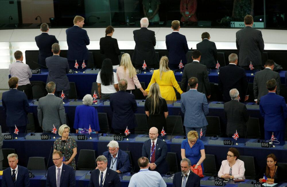 VIDEO | 29 Brexiti-saadikut pööras Euroopa Parlamendi avaistungil hümni ajal selja