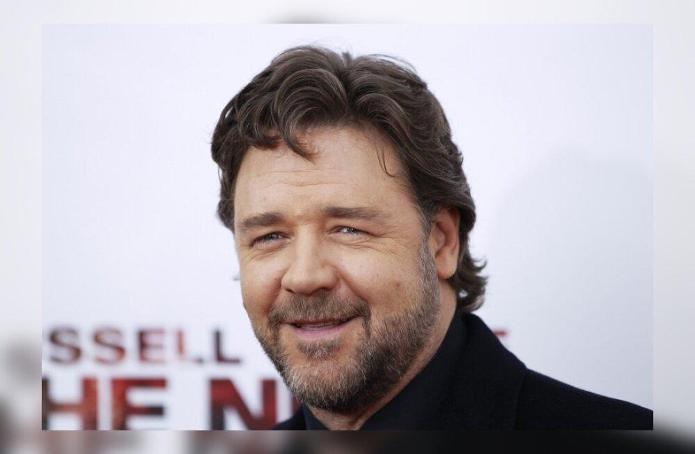 Varsti peenike poiss: Russell Crowe peab dieeti