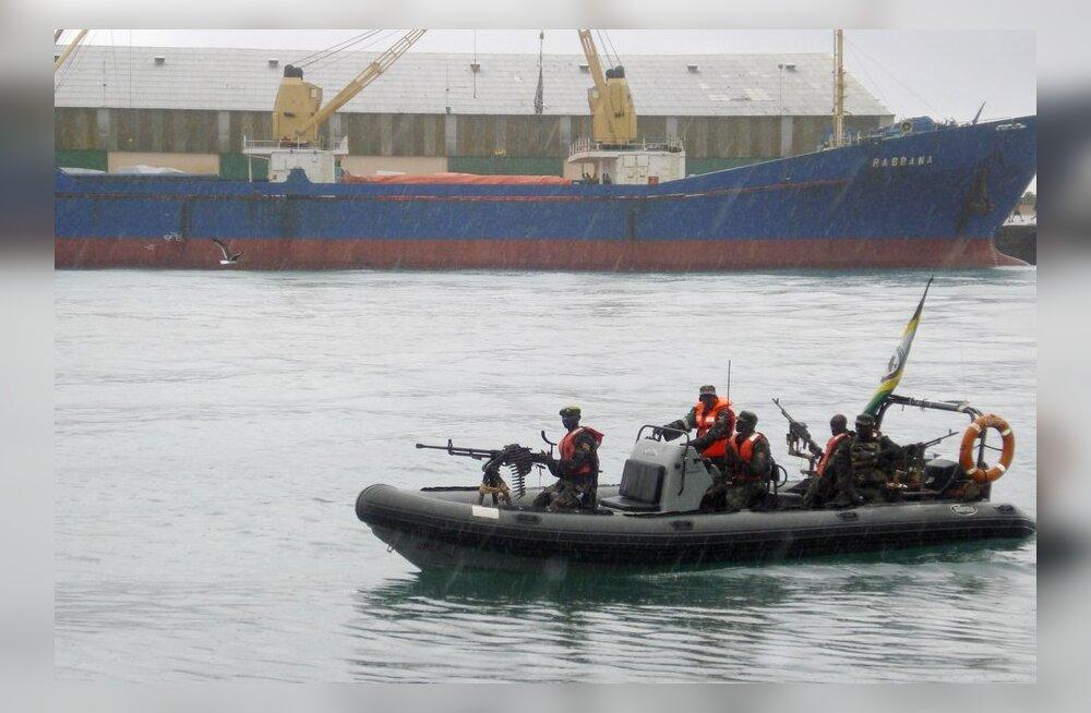 Eesti laevakaitsemeeskond aitas Iraani kalalaeval kinni pidada Somaalia piraadid
