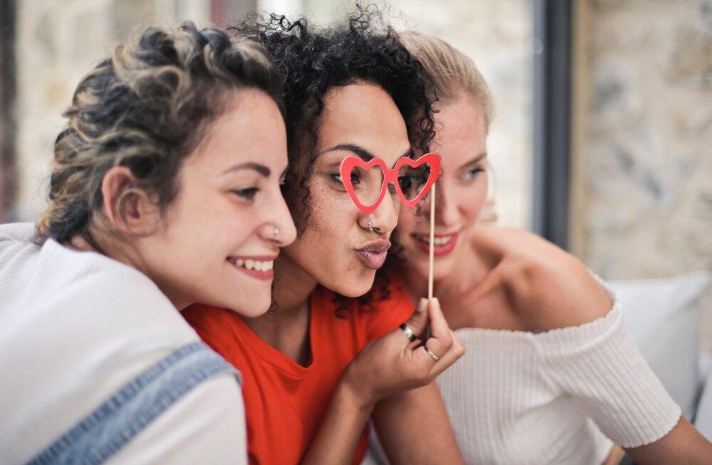 Ekspertide sõnul peaksid su sõbrad olema sinust märgatavalt nooremad ja sel on väga head põhjused