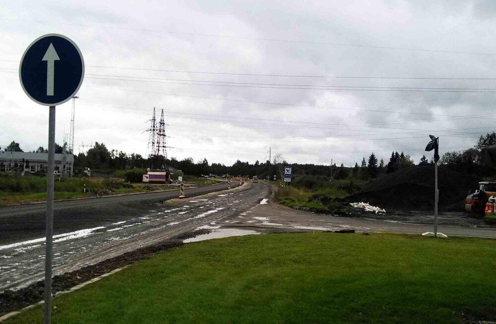 Осторожнее в Муствеэ: дорожная ситуация осложнена из-за ремонта перекрестка