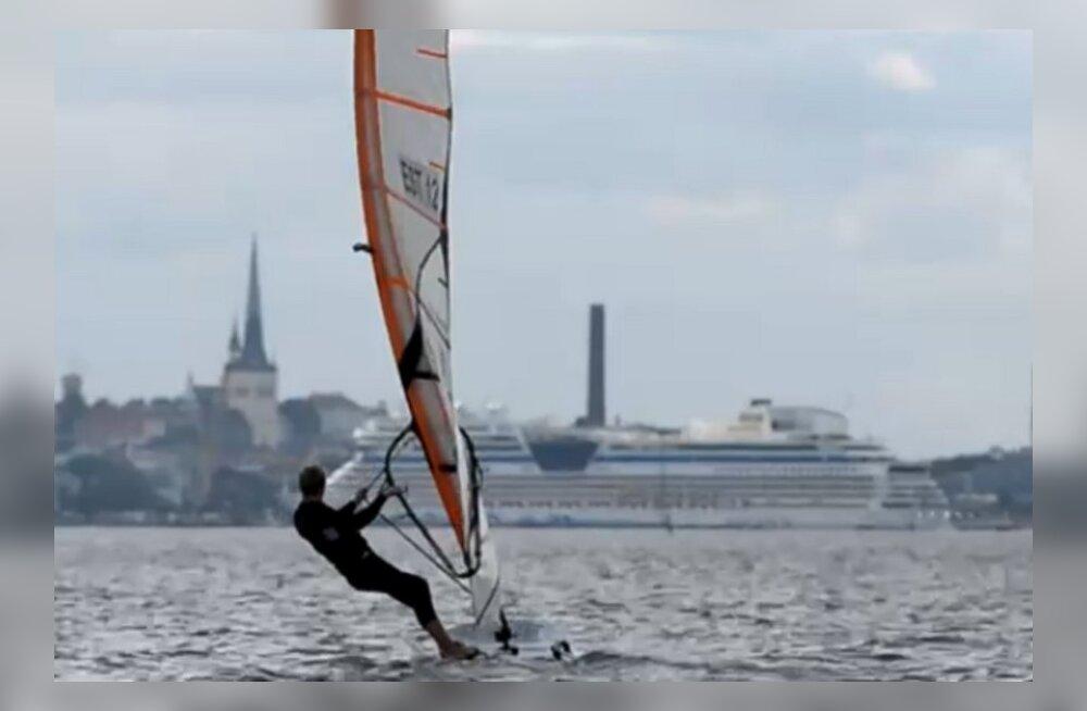 VIDEO: Noor purjelaudur Peeter Kask ühendab edukalt IT-õpingud ja Formula võidukihutamise