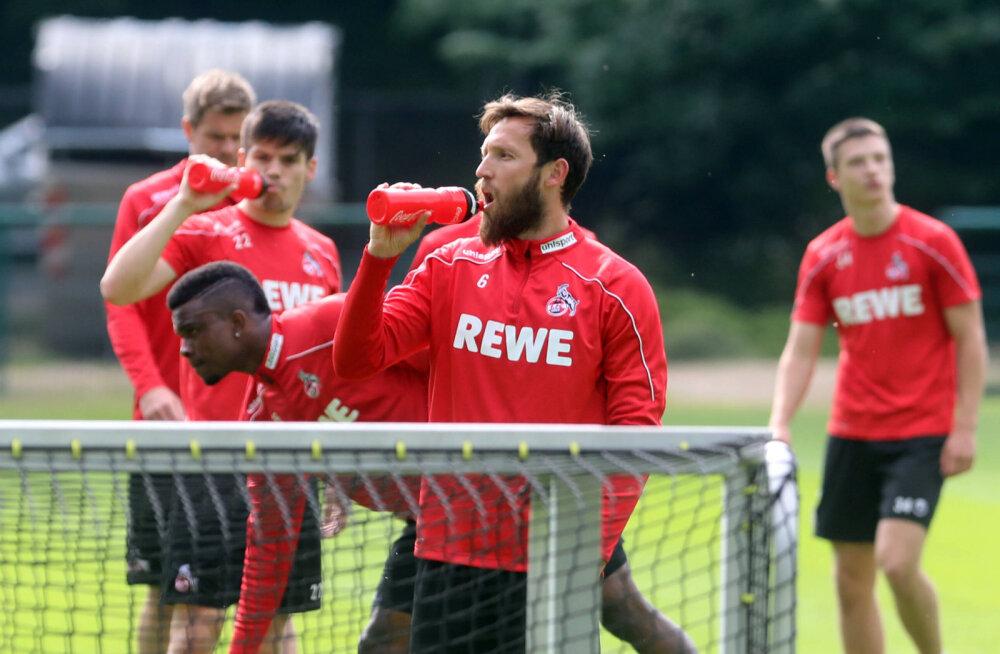Kolm Bundesliga klubi liiget andsid positiivse koroonatesti
