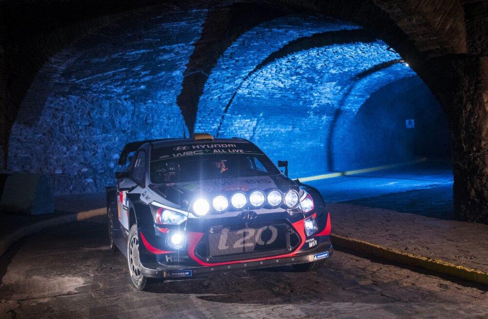 Mehhiko ralli linnakatsetel tuleb kihutada läbi tunnelite.