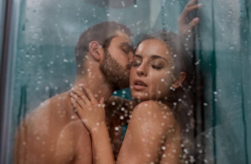 Kisub kuumaks! Tähista rahvusvahelist seksipäeva eriti kuumade pooside ja eelmänguga