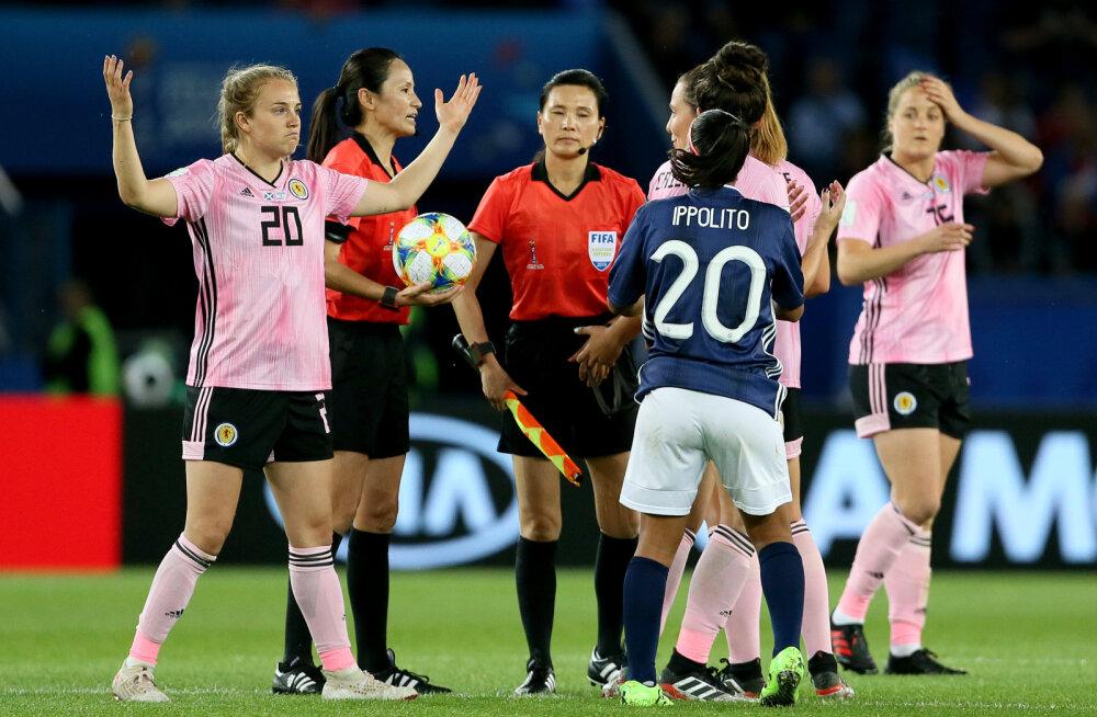 Draama MM-il: Šotimaa mängis 15 minutiga maha kolmeväravalise edu ja langes konkurentsist