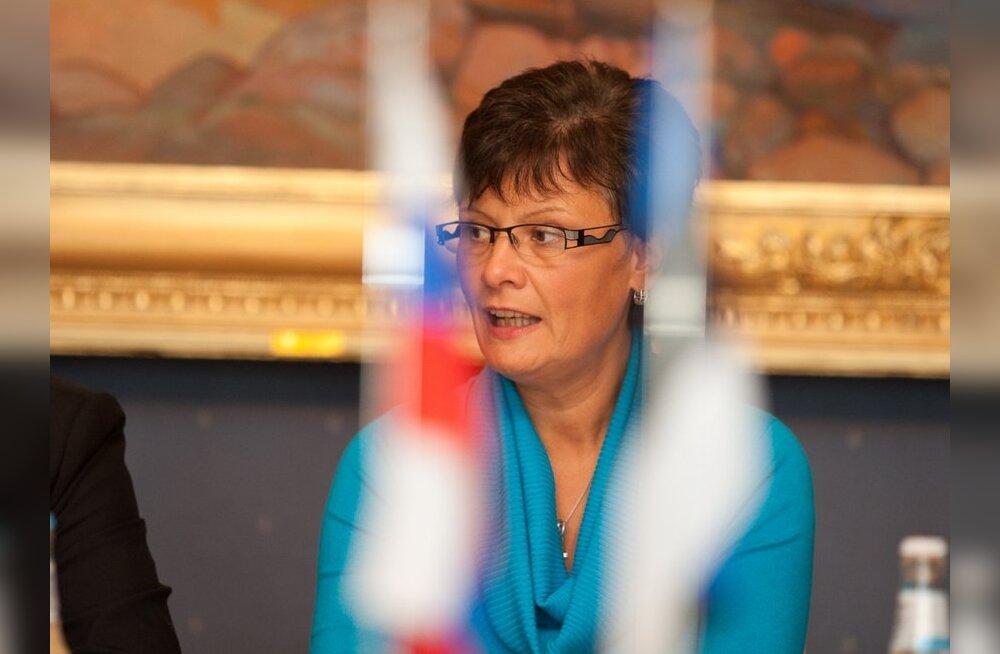 Lang kutsus Laine Randjärve kahest nõukogust tagasi