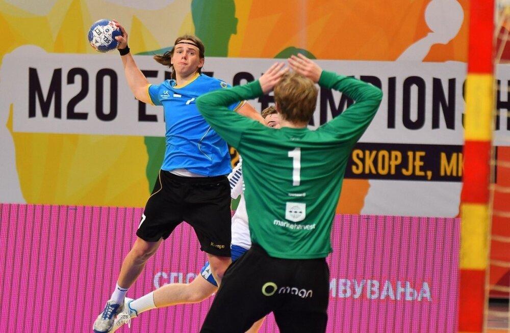 Mathias Rebase (viskel) värav andis lõpuminutitel Eestile lootust, ent mängu kangelaseks kerkis Fääri saarte väravavaht Hordur Trygvason