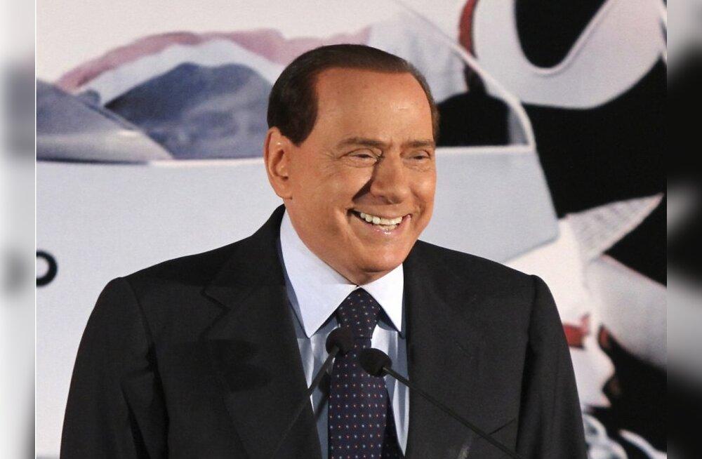 Berlusconi: minu magamistoa ukse taga ootas järjekorras 11 naist