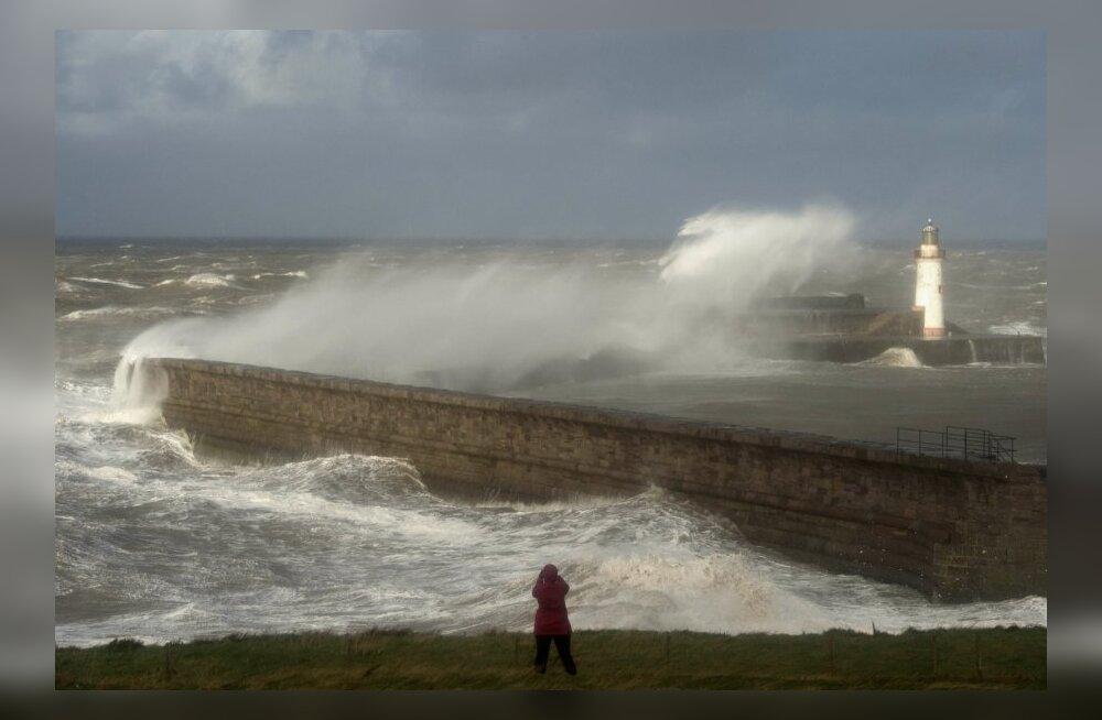 Üle 100 m/s liikuv jugavool toob Suurbritanniasse suure saju ja tormituuled