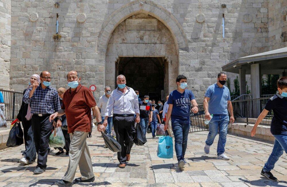 """Израиль столкнулся с новой вспышкой коронавируса, """"туристические коридоры"""" могут отменить"""