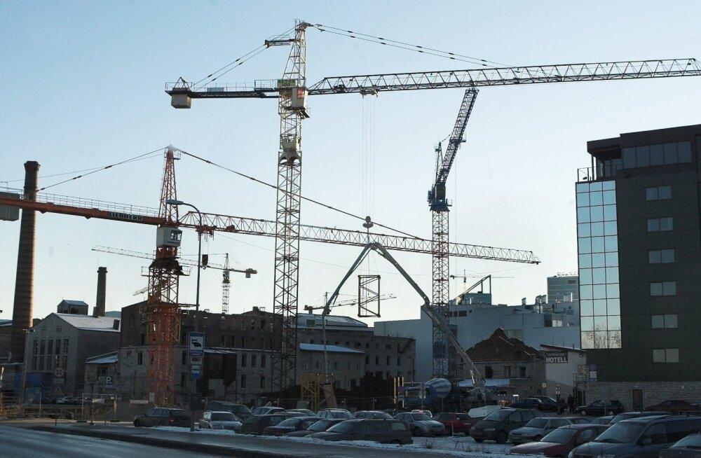 Ehitus. Foto on illustratiivne,