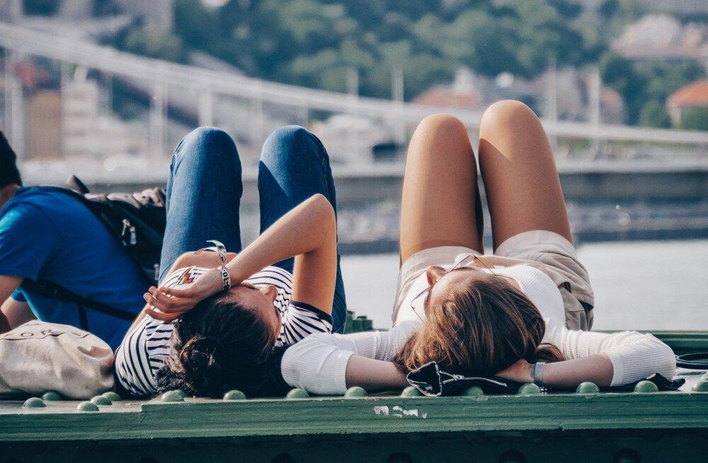 Sa peaksid just nii mitu korda nädalas sõpradega väljas käima, et su tervis püsiks