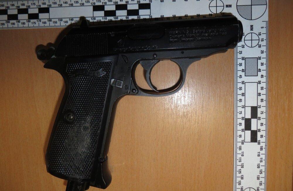 Угрожавший полицейскому газовым пистолетом в Пыхья-Таллинне мужчина получил условный срок