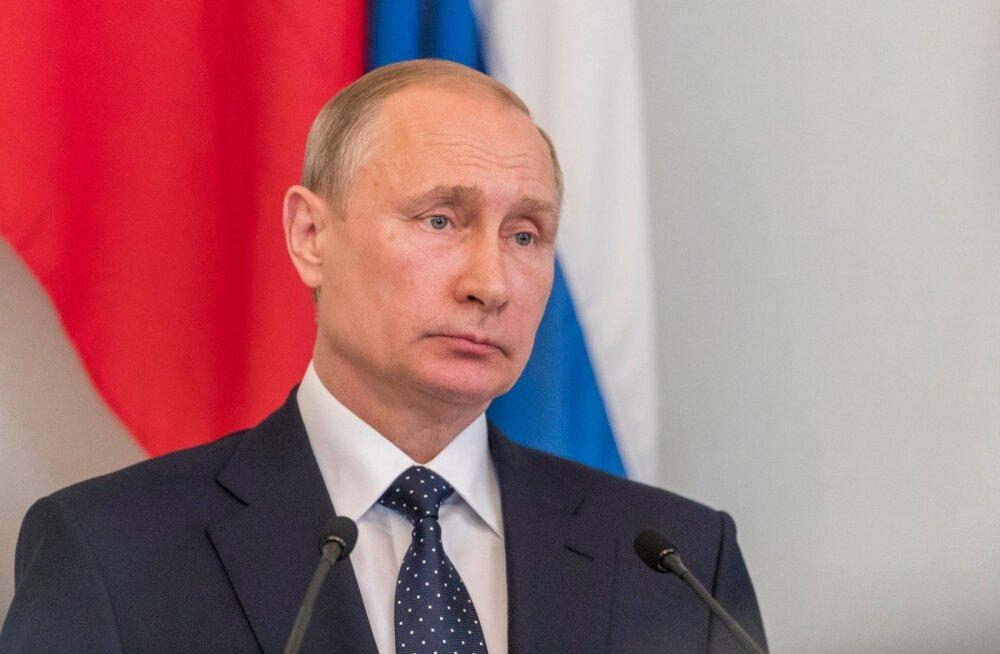 Venemaa president Vladimir Putin ja teda võõrustav Soome riigipea Sauli Niinistö antsid Savonlinna lähedal Punkaharjus pressikonverentsi.