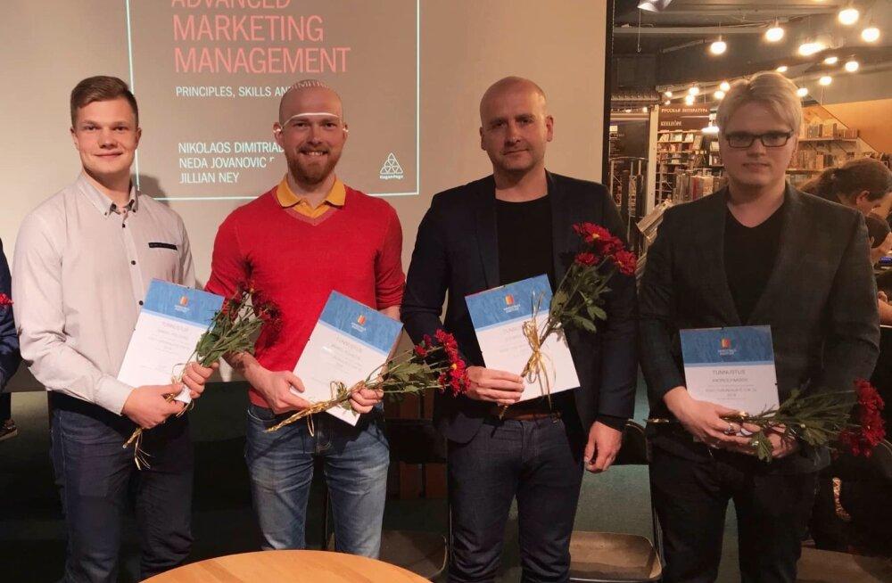 Eesti Turundajate TOP10sse pääsenud Samuel Põldaru (vasakult), Mihkle Külaots, Toomas Plunt ja Andres Paabos  turundusvaldkonna ees seisvatest muutustest rääkinud debatil.