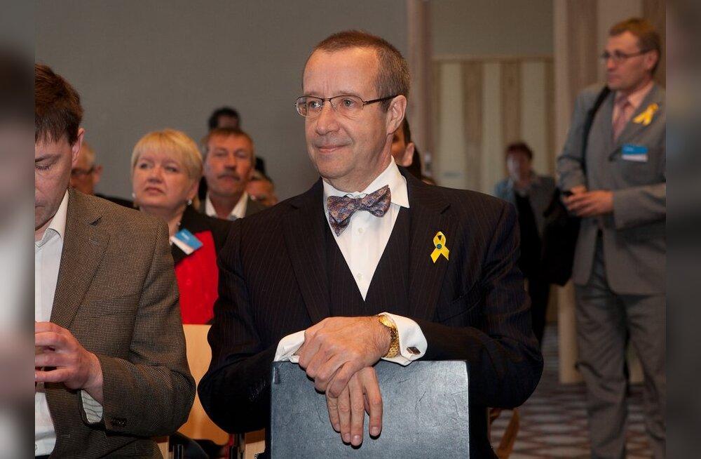 President Ilves IRLi volikogu ees: olen valmis Eestit teenima