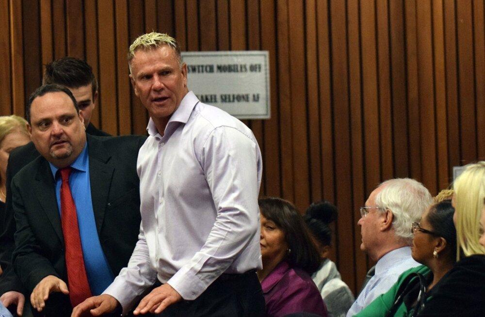 Marc Batchelor külastamas Oscar Pistoriuse kohtuistungit.