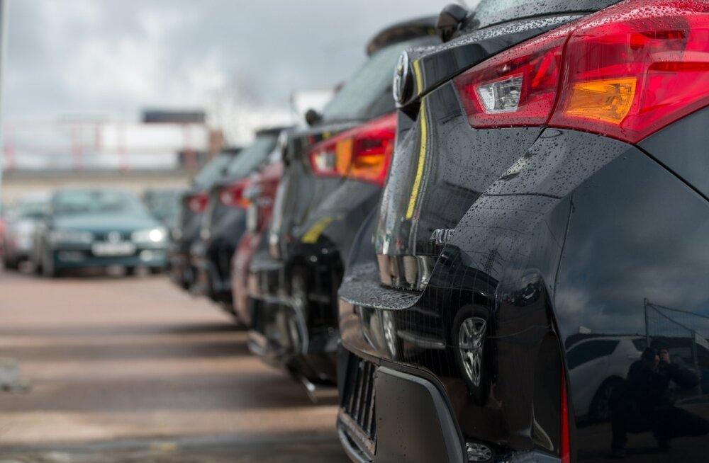 Получившим от государства компенсацию по зарплате кредит на покупку машины в ближайшее время не дадут